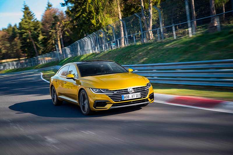 VW Arteon удостоен награды «Золотой руль-2017»
