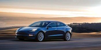 Стало известно, сколько будет стоить Tesla Model 3 в России