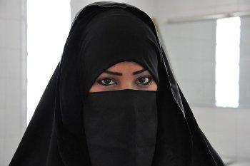 В Германии суд отказал мусульманке в просьбе водить авто в никабе