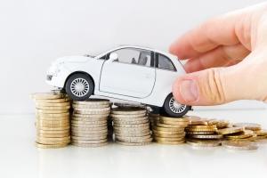 На 12,5% выросла стоимость нового автомобиля в России за прошедшие 6 месяцев